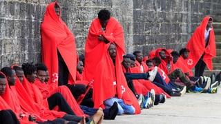 Vier Flüchtlinge tot aufgefunden – 700 gerettet