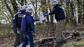 Vor knapp zwei Wochen starb ein Mitarbeiter der OSZE, als sein Auto auf eine Landmine fuhr. Für die Mission hat das Folgen.