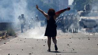 «Nieder mit der Diktatur»: Strassenschlacht in Caracas