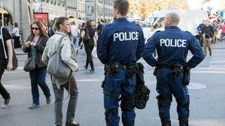 Im Kampf gegen den Terrorismus will der Bundesrat nun auch ausserhalb von Strafverfahren die Schraube anziehen.