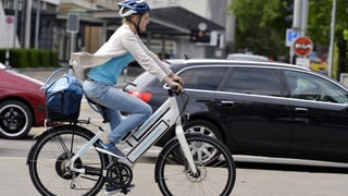 Höheres Unfallrisiko auf E-Bikes und Fussgängerstreifen
