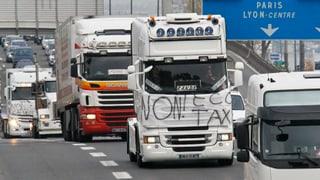 Lastwagenfahrer blockieren Autobahnen in Frankreich