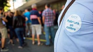 Genfer Polizisten im Warnstreik
