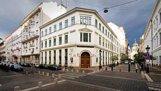 Universitäten mit Hauptsitz ausserhalb der EU sollen keine ungarischen Diplome mehr verleihen dürfen. Nicht nur in Brüssel kommt das schlecht an.