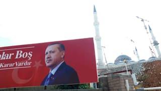 Video «Erdogan – Im Rausch der Macht» abspielen