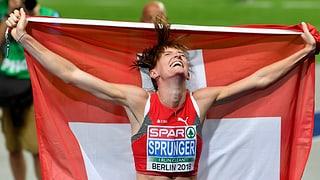 Lea Sprunger gudogna aur sur 400m