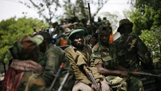Rebellen greifen Ebola-Ärzte an