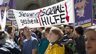 Berner Regierung soll bei Sozialhilfekürzungen Spielraum erhalten