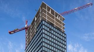 Bautätigkeit und Shopping kurbeln Wirtschaft an