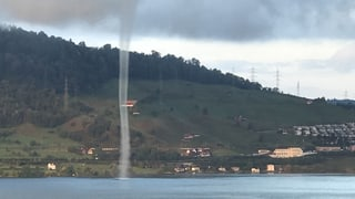 Wasserhosen am Zürich und Zugersee