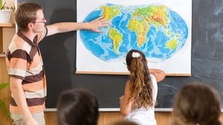 Berner Kantonsparlament will Lehrerlöhne weiter verbessern