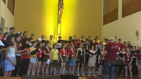 Dus chors – in'unitad da giuvenils (Artitgel cuntegn video)