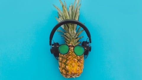 Beliebte Sommerhits und ihre Geschichte (Artikel enthält Audio)