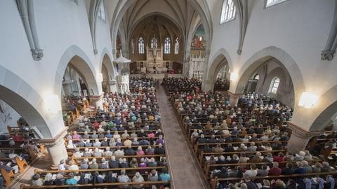 Darf sich die Kirche politisch einmischen? (Artikel enthält Video)