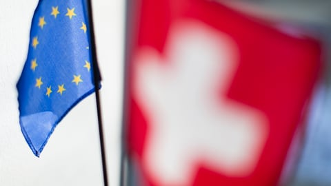 Die Schweiz dreht nach rechts – macht die EU mit?  (Artikel enthält Audio)