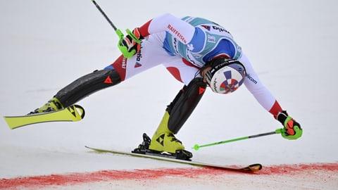In sguard enavos sin la stagiun da ski alpin