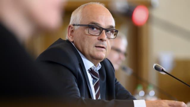 «Ich verstehe den Ärger der Sportfans, aber wir müssen einen zweiten Lockdown verhindern», sagt Pierre Alain Schnegg.