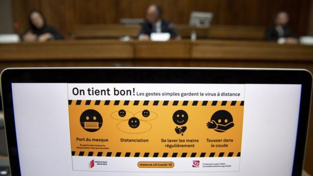 Die Walliser Regierung informiert über die Verschärfung der Corona-Regeln