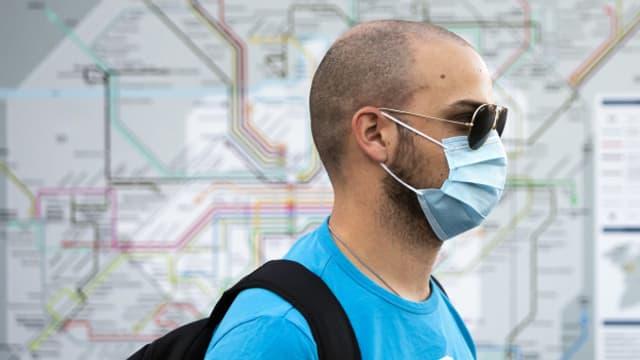 Auch in Bahnhöfen und auf Perrons gilt ab Montag im Kanton Bern eine Maskenpflicht