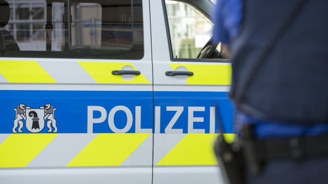 Die Polizei hat eine Person vorläufig festgenommen wegen unterlassener Hilfeleistung.