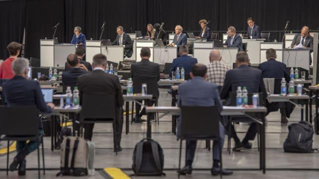Der Kantonsrat hält auch die aktuelle Session in einer der Messehallen auf der Luzerner Allmend ab.