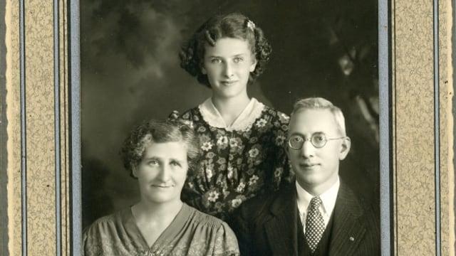 Georg Dolf cun dunna e figlia ils onns 1940 en America.