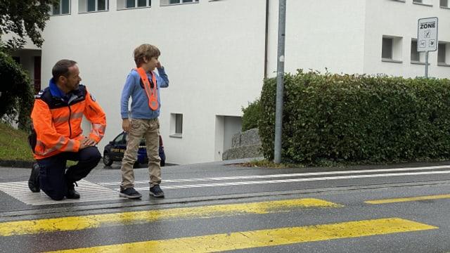 La Polizia chantunala è er quest onn puspè preschenta durant las emprimas emnas da scola – en scola ma er sin via.