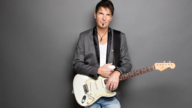 Passend zum Foto: Paul Etterlin neues Album ist sehr gitarrenlastig!