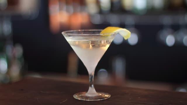 Was sein muss, muss sein: Martini. Trocken.