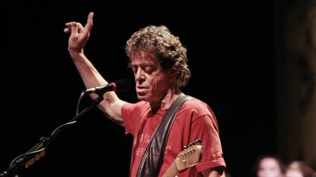 Lou Reed während eines Konzertes 2008.