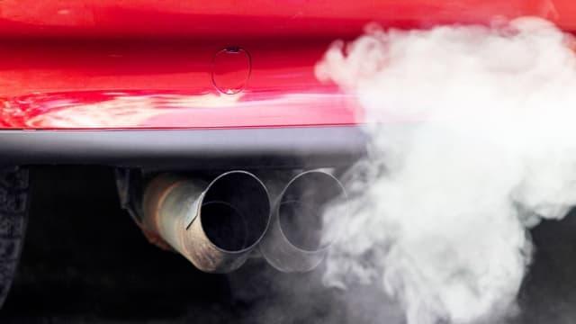 Was alles bei einem Auto aus dem Auspuff kommt hat die Wissenschaft noch lange nicht alles erforscht.