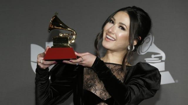 Die eindrückliche Stimme von Nella und ihre Hymne für ihre gebeutelte Heimat Venezuela ab ihrem Debut-Album «Voy» gehören zu den Entdeckungen der Latin Grammys 2020.