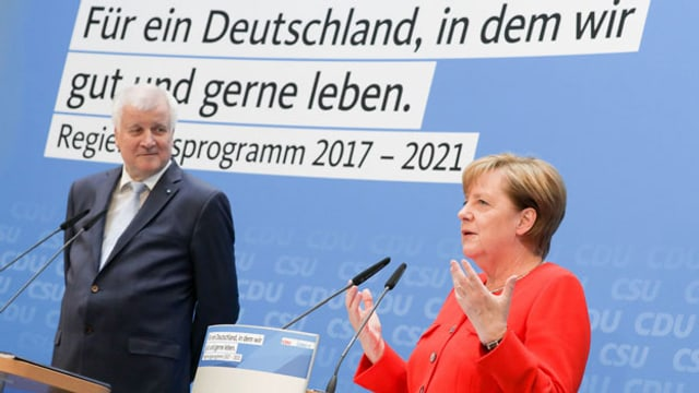 Bayerns Ministerpräsident Horst Seehofer (CSU) und Bundeskanzlerin Angela Merkel (CDU) .