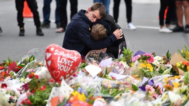 Trauernde nach den Attentaten in Christchurch, Neuseeland