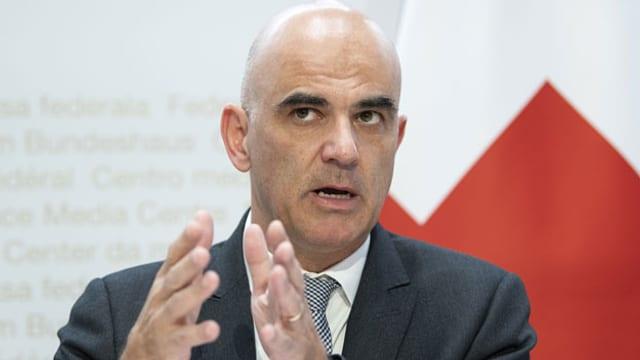 Bundesrat Alain Berset spricht an einer Medienkonferenz zur Covid-19 Situation am 22. Oktober 2020 in Bern.