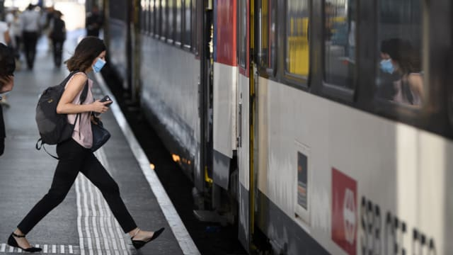 Zug der SBB im Bahnhof Lausanne im Juli 2020.