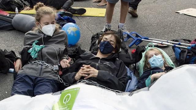 Klimaaktivisten und -aktivistinnen besetzen während ihrer Aktionswoche «Rise up for Change» den Bundesplatz in Bern.