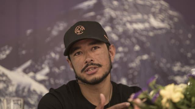 Der Bergsteiger Nirmal Purja bei einem Interview in der nepalesischen Hauptstadt Kathmandu