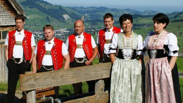 In der Sendung «Volksmusik im Dreiländereck» vertritt die Jodlergruppe Hirschberg Appenzell nebst zwei weiteren Formationen die Schweiz.