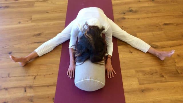 Yin Yoga ist für Personen, die sich trauen, anspruchsvolle Dehnpositionen lange zu halten.