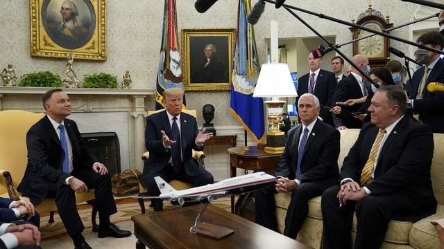 Der polnische Staatspräsident Andrzei Duda, US-Präsident Donald Trump, US-Vizepräsident Mike Pence und US-Aussenminister Mike Pompeo (v.l.).