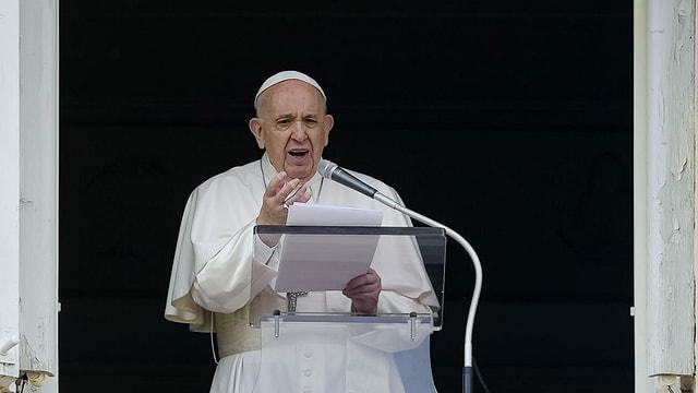 Papst Franziskus am 6. Juni 2021 während der Sonntagsmesse auf dem Petersplatz in Rom.