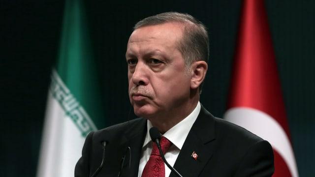 Erdogan bei einem Treffen mit Irans Präsident Rohani in Ankara (16.4.16)
