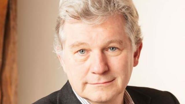 Walter Leimgruber ist Kulturwissenschaftler, Historiker und Ausstellungsmacher. Er ist Ordinarius und Leiter des Seminars für Kulturwissenschaft und Europäische Ethnologie an der Universität Basel.