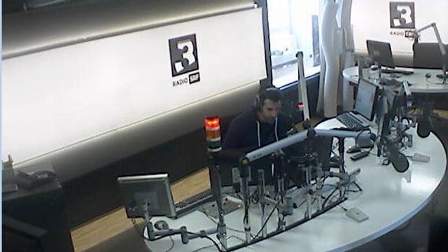 Ihr findet die Webcam oben rechts auf der SRF 3 Webseite!