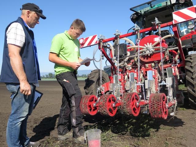 Traktoranhänger, Experte und Gemüsegärtner.
