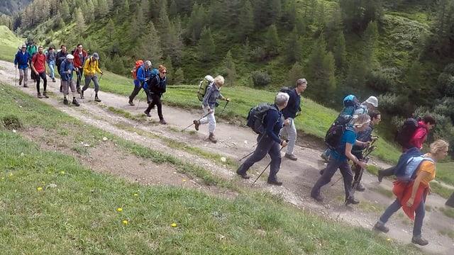 Eine Wandergruppe.