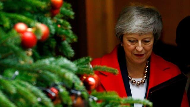 Purtret da Theresa May dasper in pignieul da Nadal.