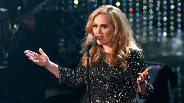 Adele singend