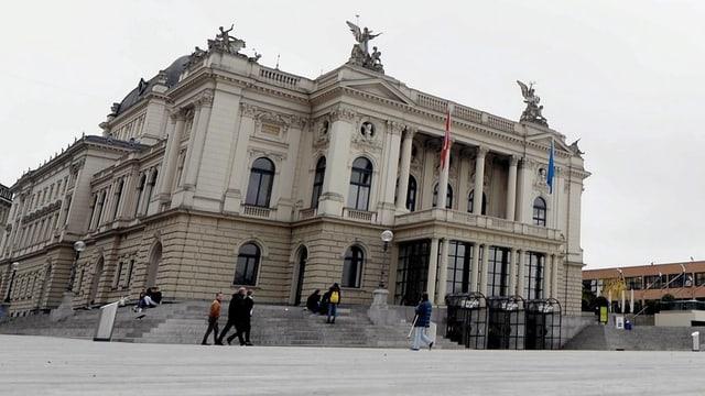 Die Fassade des Opernhaus.